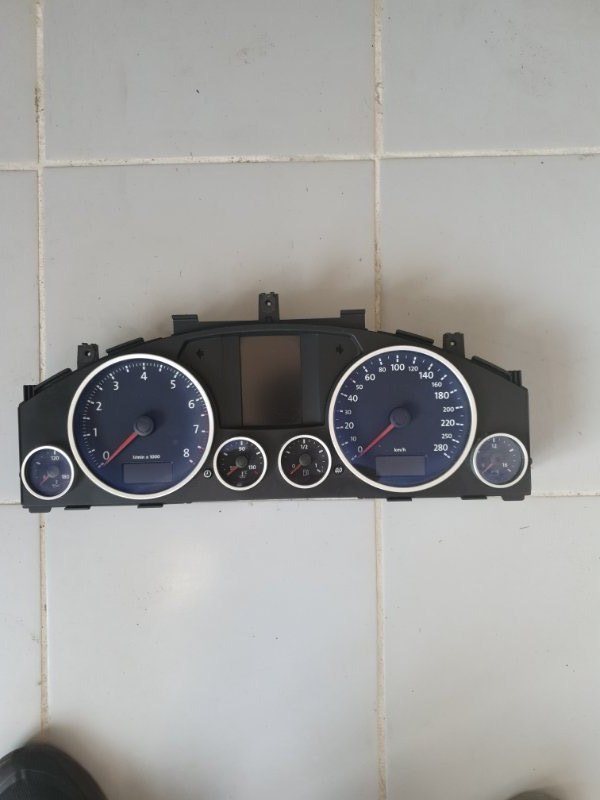 Щиток приборов Volkswagen Touareg 7L 2003 (б/у)