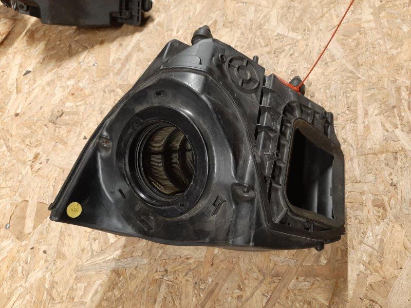 Корпус воздушного фильтра Audi A4 8W 2015 (б/у)