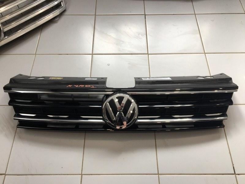 Решетка радиатора Volkswagen Tiguan 5NA 2017 (б/у)
