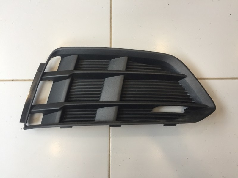 Решетка птф Audi A5 8W6 2016 правая (б/у)