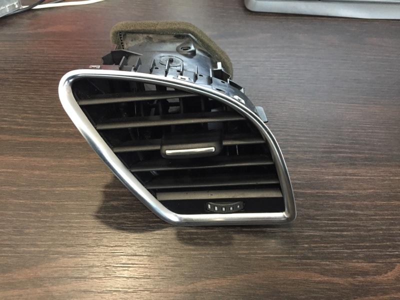 Дефлектор торпеды Audi A4 8K 3.0 CAK правый (б/у)