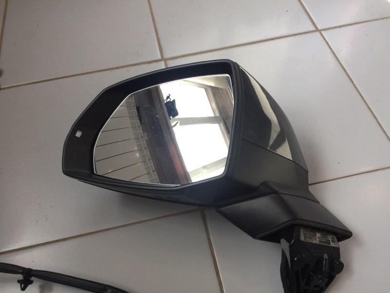 Зеркало Audi Q7 4M 3.0 CRT 2016 левое (б/у)