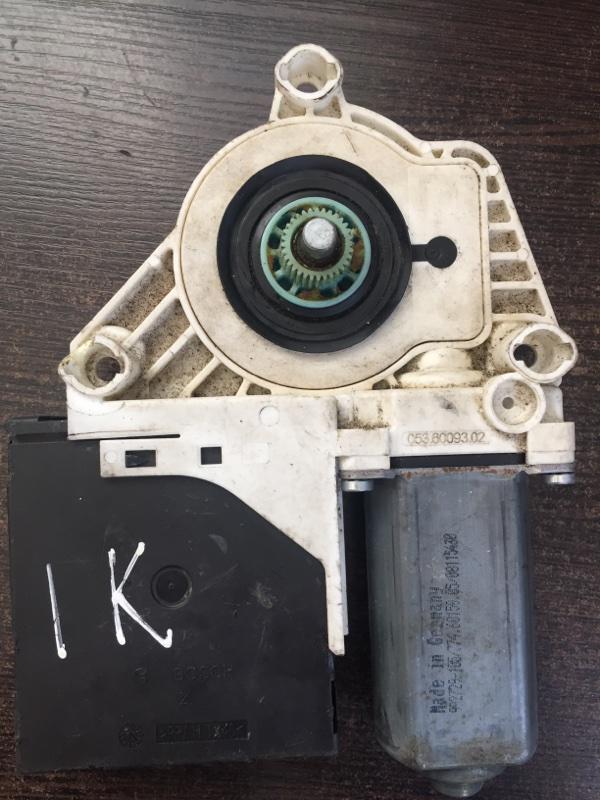 Мотор стеклоподъемника Volkswagen Jetta 1K 2006 (б/у)