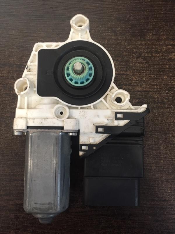 Мотор стеклоподъемника Volkswagen Jetta 5C 2011 задний правый (б/у)