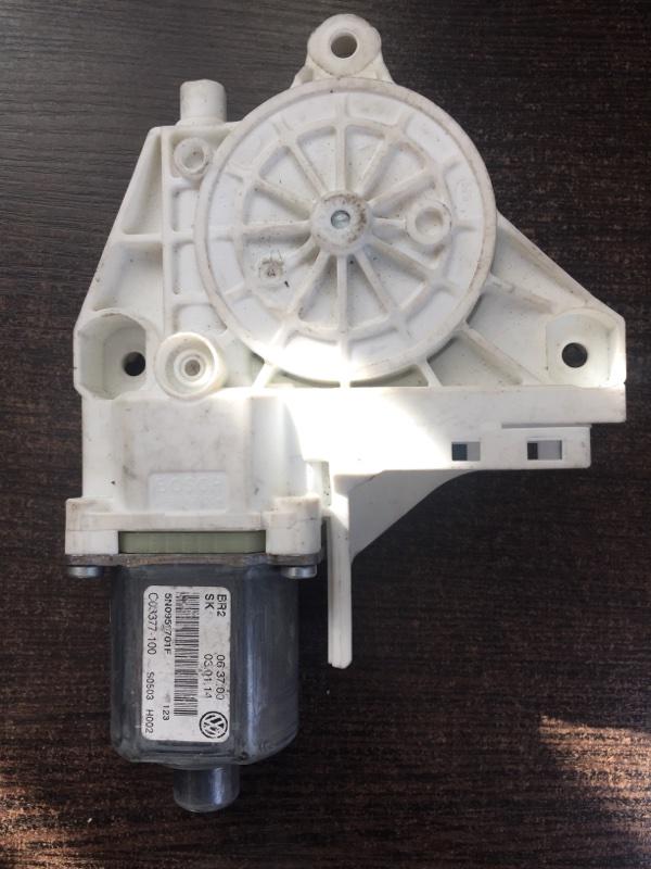 Мотор стеклоподъемника Volkswagen Tiguan 5N 2011 передний левый (б/у)