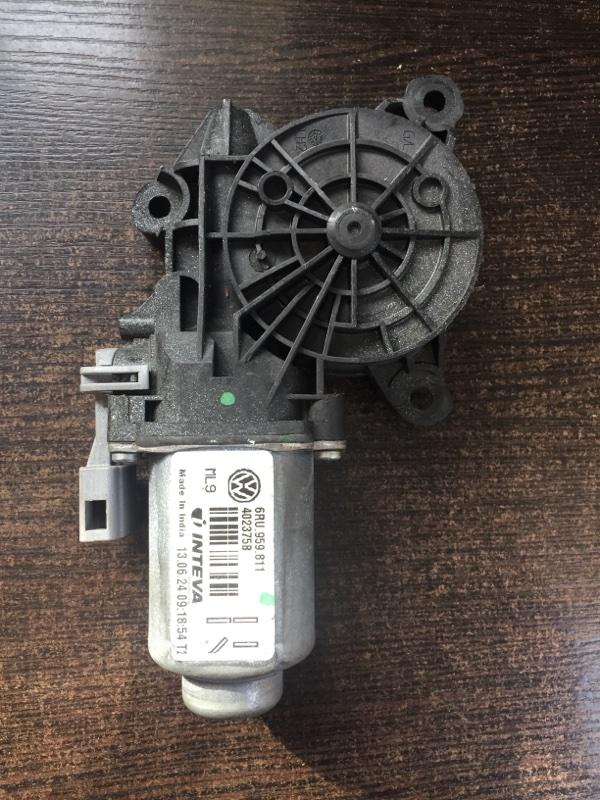Мотор стеклоподъемника Skoda Rapid 5JA 2011 задний правый (б/у)