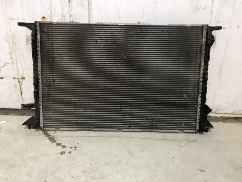 Радиатор охлаждения Audi A6 4G 2.0 CYPA 2016 (б/у)