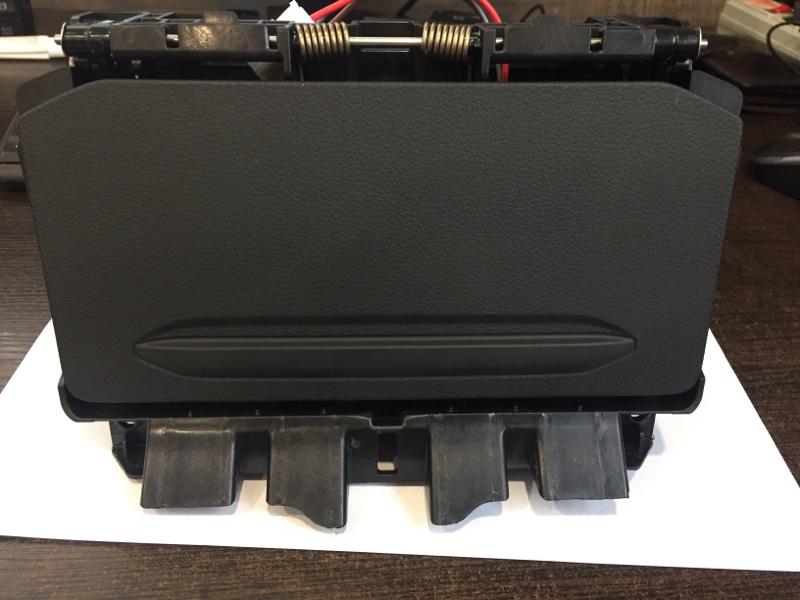Вещевое отделение Volkswagen Touareg CR7 3.0 TDI DEN 2020 (б/у)