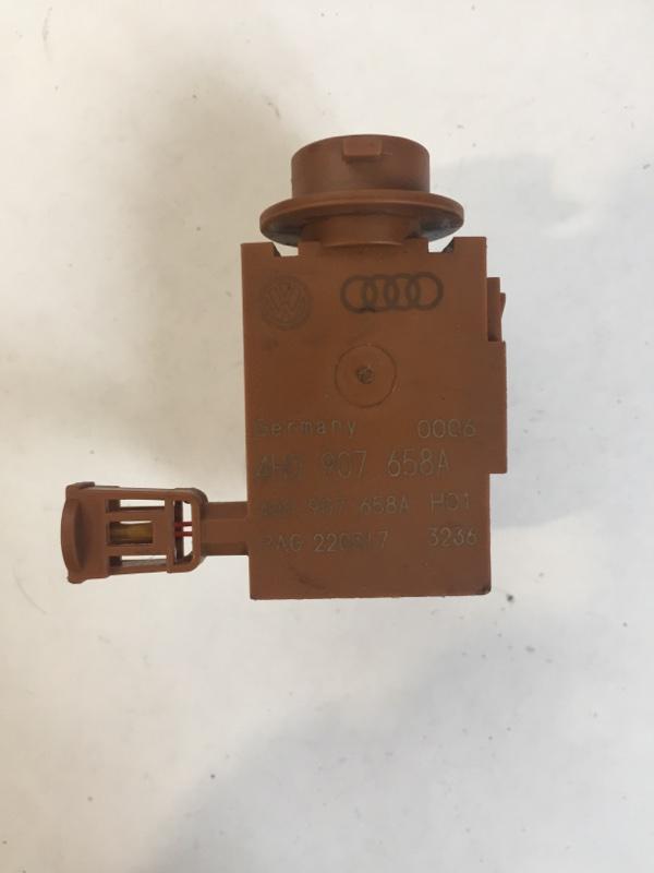 Датчик загрязнения воздуха Volkswagen Touareg CR7 3.0 TDI DEN 2020 (б/у)