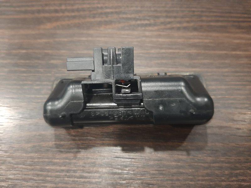 Кнопка багажника Bmw X5 E70 4.0 N57D30B 2009 задняя нижняя (б/у)