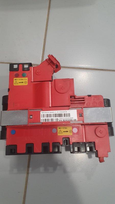 Монтажный блок с предохранителем Bmw 5-Series F10 2009 (б/у)