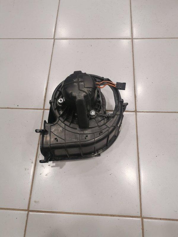 Мотор отопителя Bmw X5 F15 3.0 N57D30A 2013 (б/у)