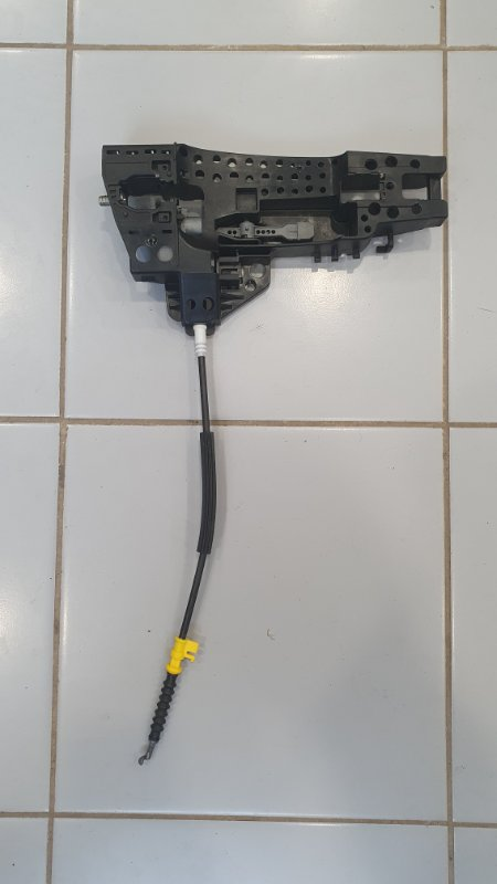 Кронштейн наружней ручки двери Audi Rsq3 8U 2.5 T CTS 2011 правый (б/у)