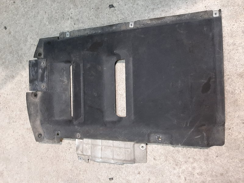 Облицовка днища кузова Bmw X4 F26 2.0 B47D20A 2013 (б/у)