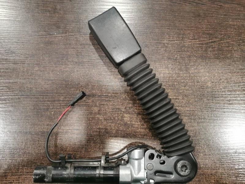Поясной ремень с натяжителем Bmw 5-Series F11 3.0 N57D30A 2012 передний правый (б/у)