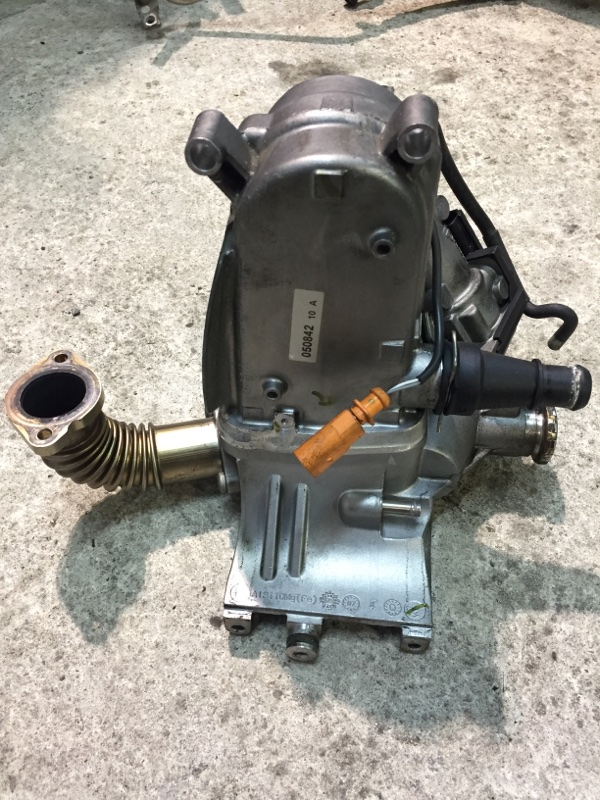 Радиатор рециркуляции ог Audi Q5 8R 3.0D CCW 2008 (б/у)