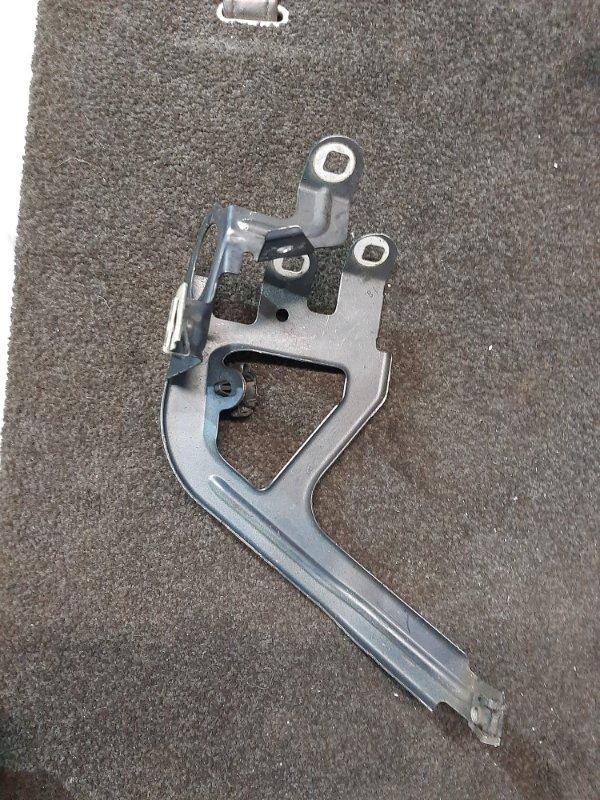 Кронштейн крыла Bmw 5-Series F11 3.0 N57D30A 2009 передний правый (б/у)