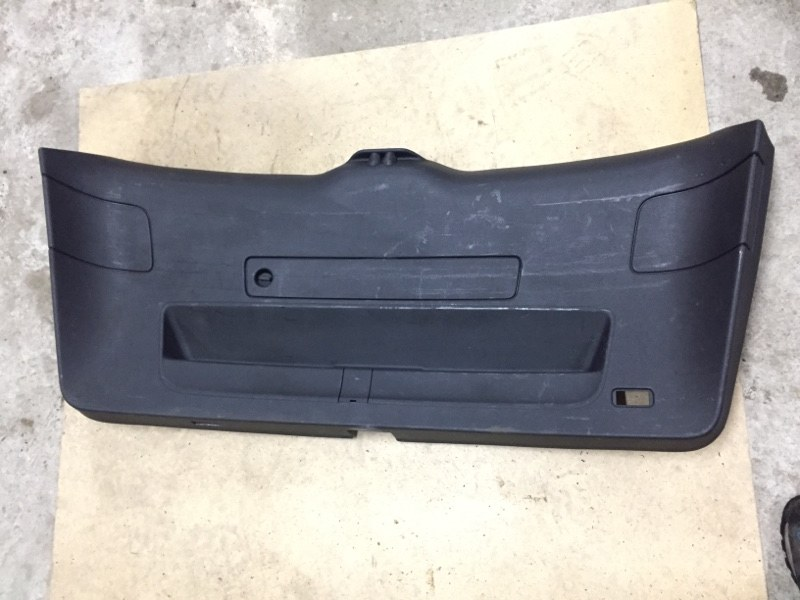 Обшивка багажника Audi Q5 8R 3.0D CCW 2008 задняя нижняя (б/у)