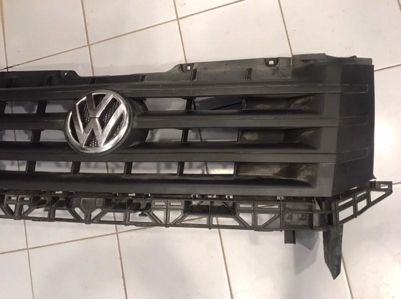 Решетка радиатора Volkswagen Crafter 2E передняя (б/у)