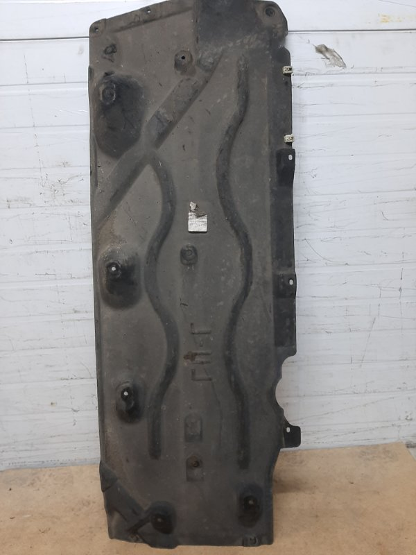 Облицовка днища кузова Bmw X1 F48 2015 левая нижняя (б/у)