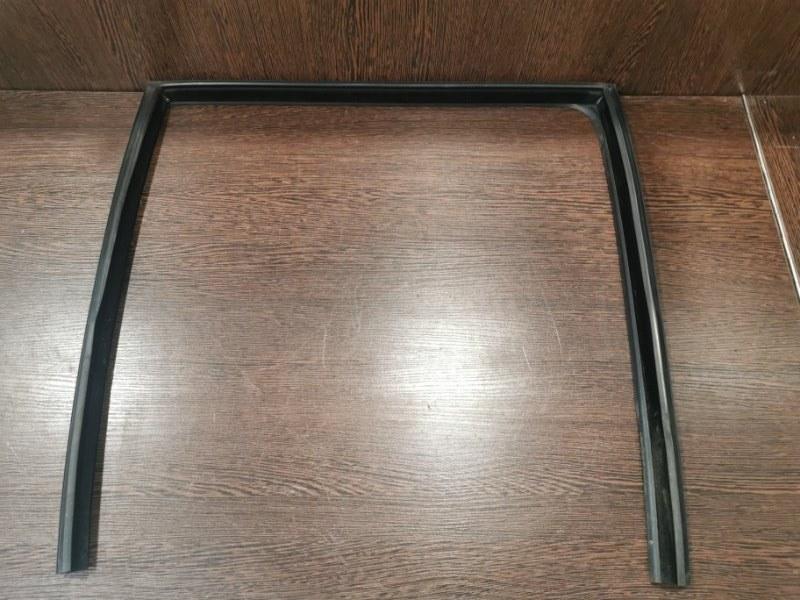 Направляющая стекла Bmw 5-Series F10 2009 задняя правая (б/у)