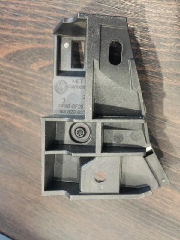 Кронштейн ручки капота Volkswagen Tiguan 5N 2008 (б/у)