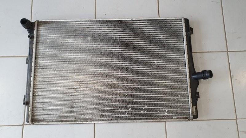 Радиатор охлаждения Volkswagen Passat 3A 2011 (б/у)