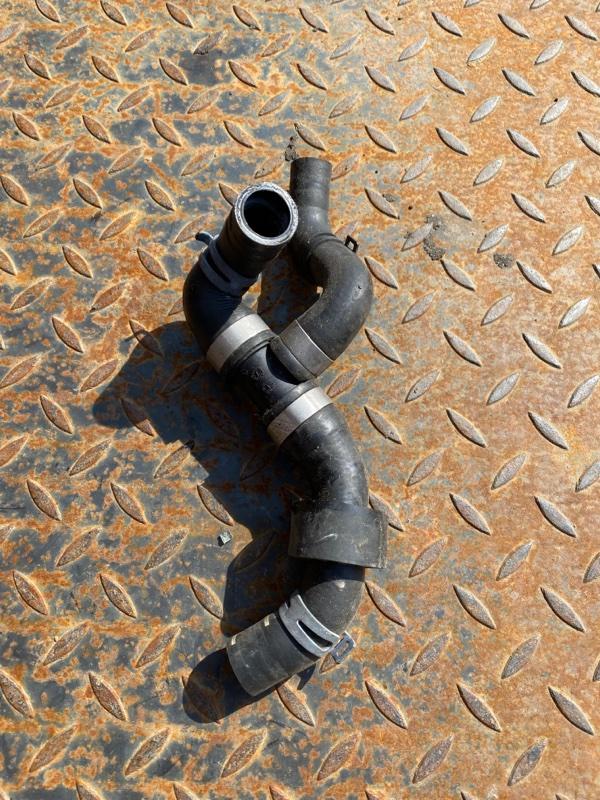 Шланг системы охлаждения Audi Q3 8U 2015 (б/у)