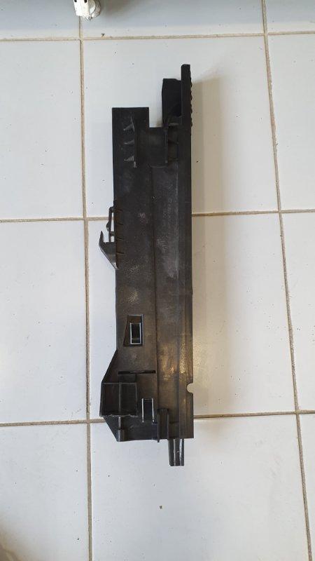 Кронштейн радиатора Bmw X5 E70 2006 правый (б/у)