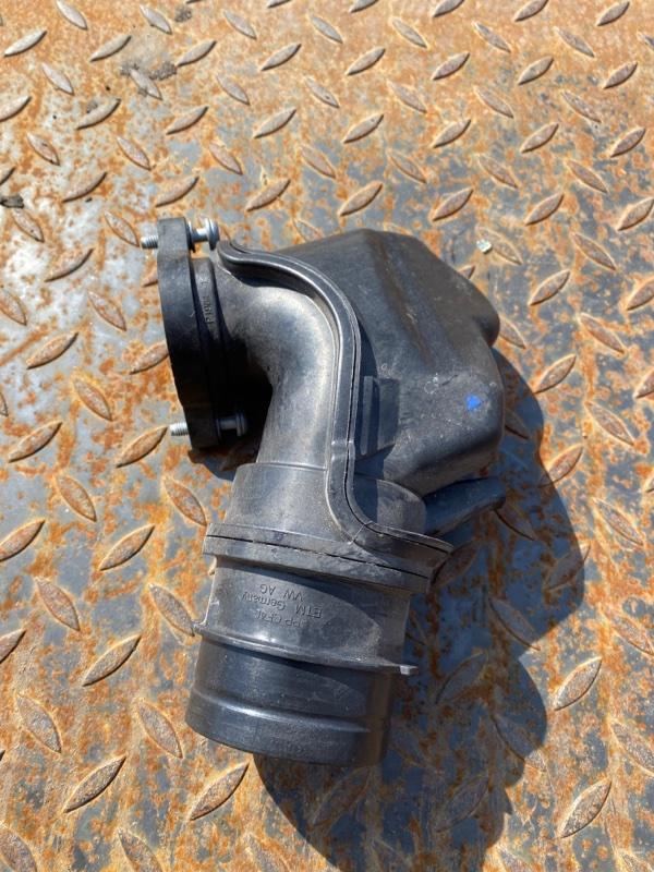 Труба наддувочного воздуха Audi Q3 8U 2012 (б/у)