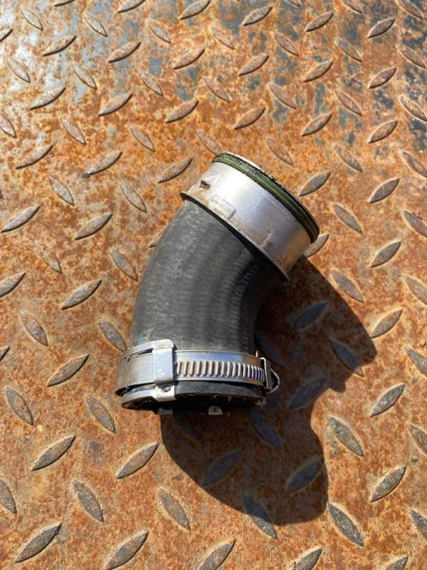 Труба наддувочного воздуха Audi Q7 4L 2007 (б/у)