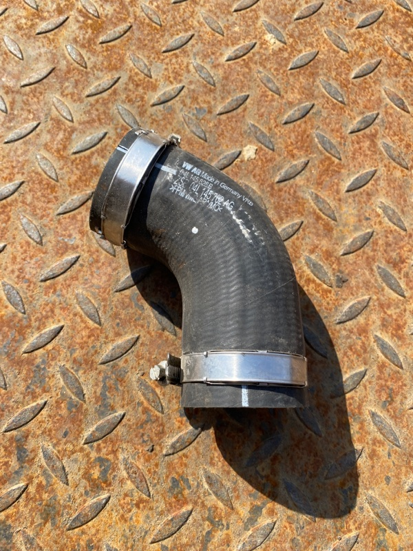 Труба наддувочного воздуха Audi A4 8K 2010 (б/у)