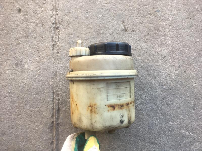 Бачок гидроусилителя Renault Midlum (б/у)