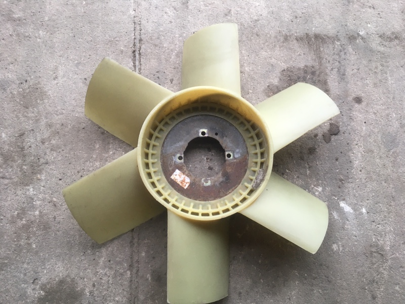Крыльчатка вентилятора Renault Midlum передняя (б/у)