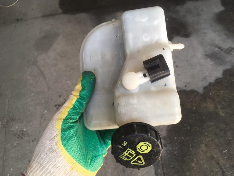 Бачок для тормозной жидкости Ford Transit (б/у)