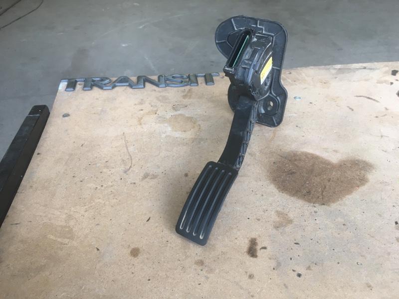Педаль газа Ford Transit ОБЫЧНЫЙ ГРУЗОВОЙ ФУРГОН 2.2L CR TC I4 DSL 155PS 2012 (б/у)