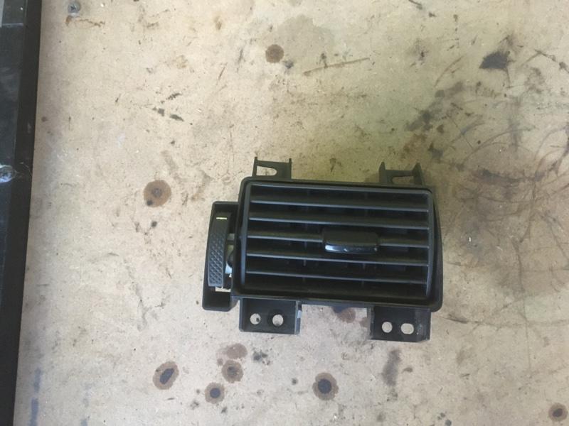 Дефлектор Ford Transit ОБЫЧНЫЙ ГРУЗОВОЙ ФУРГОН 2.2L DURATORQ-TDCI (85PS) - PUMA 2006 левый (б/у)