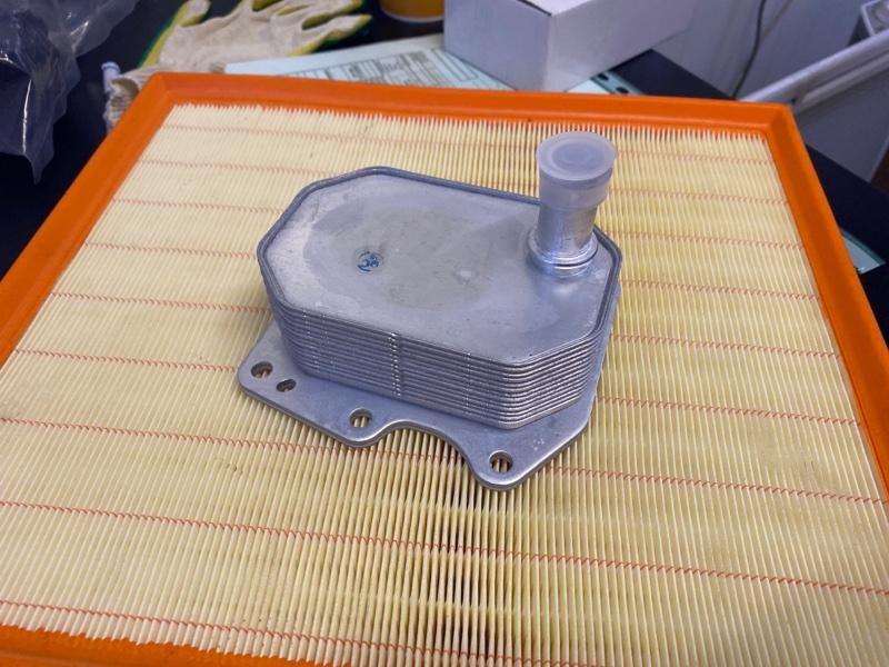 Радиатор масляный Ford Transit TT9 2006/2014