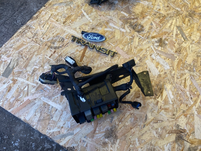 Блок предохранителей Ford Transit TT9 2.2 2006 (б/у)