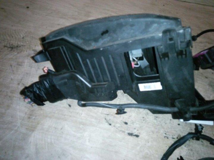 Блок предохранителей под капотом Ford Mondeo 4 BD 1.8 TD 2007