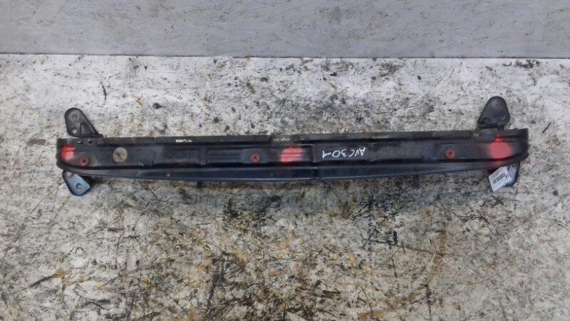 Кронштейн радиатора нижний Volvo C30 MK 2.4 TD 2007