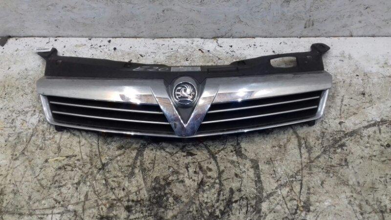 Решетка радиатора Opel Astra H 2009 г.в верхняя