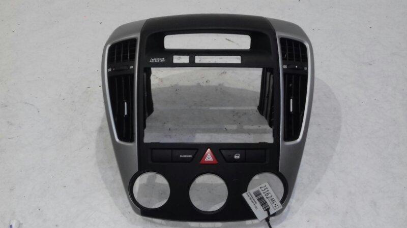 Центральная консоль Kia Ceed ED 1.4 I 2011