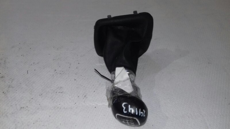 Чехол ручки кпп Kia Ceed ED 1.6 I 2010