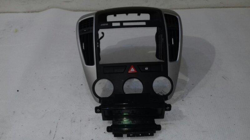 Центральная консоль Kia Ceed ED 1.6 I 2010