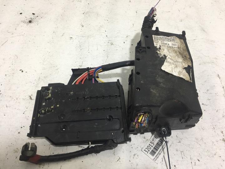 Блок предохранителей под капотом Ford Focus 3 CB8 1.6 I DURATEC TI-VCT (123PS) - SIGMA 2012