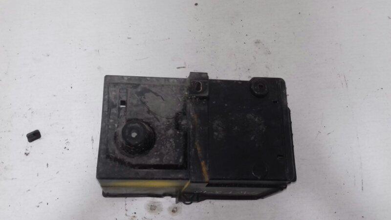 Площадка акб Ford Focus 3 CB8 1.6 I IQDB DURATEC TI-VCT (105PS) - SIGMA 2013