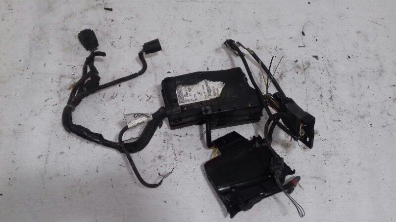 Блок предохранителей под капотом Ford Focus 3 CB8 1.6 I IQDB DURATEC TI-VCT (105PS) - SIGMA 2013