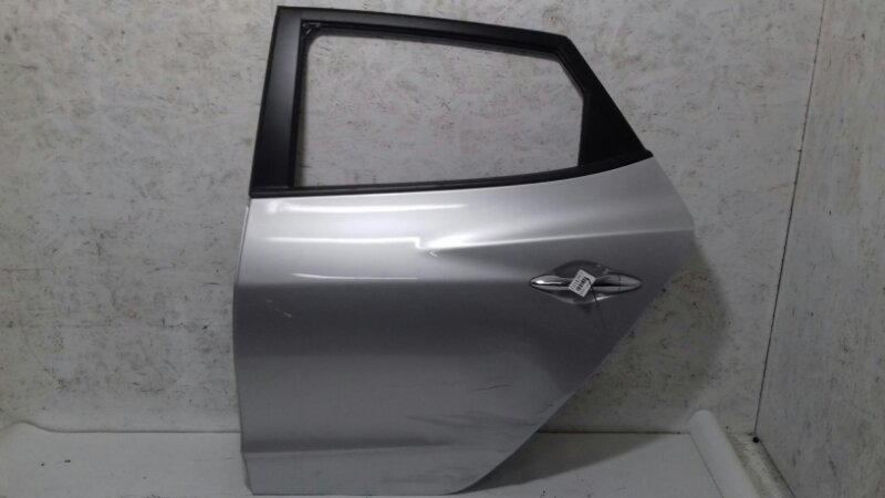 Дверь Hyundai Ix35 2.0 TD D4HA 2011 задняя левая