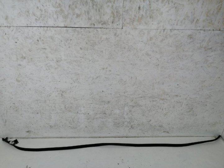 Резинка дверного проема Ford Mondeo 3 B5Y 2.0 I DURATEC HE SEFI (145PS) 2002 правая верхняя
